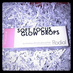 🌸 RODIAL Illuminating glow primer drops